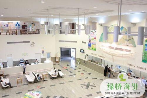 泰国试管婴儿医院候诊大厅